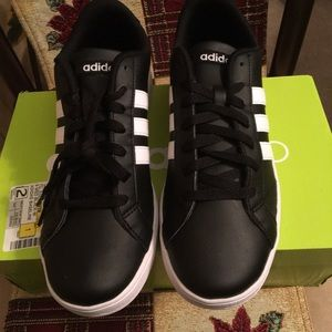 NWOT AUTHENTIC ADIDAS NEO WOMEN'S FASHION SNEAKER